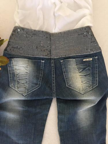 calça jeans com cós em paetes tam 36