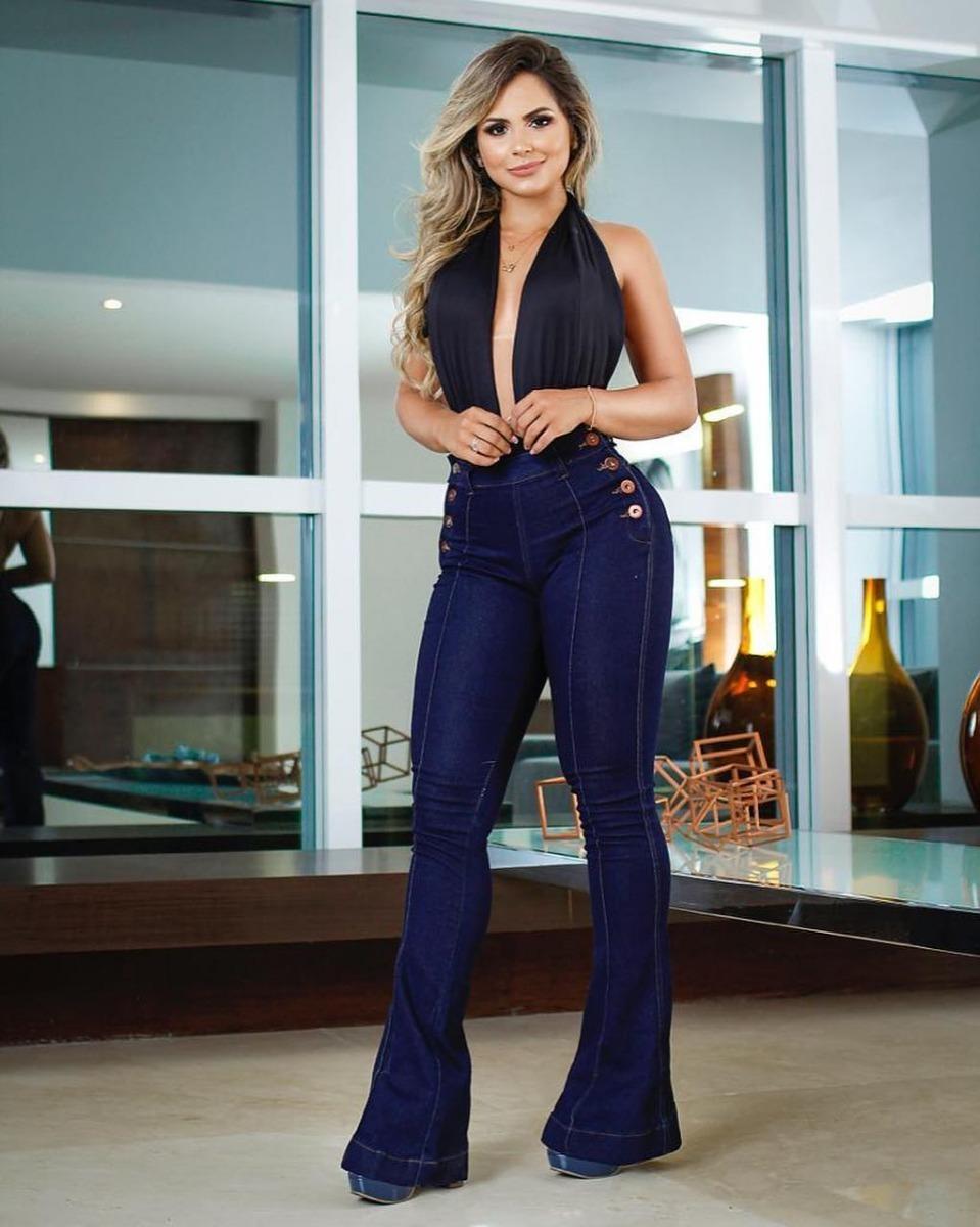 ce1e6debf calça jeans feminina flare com friso e botões lateral. Carregando zoom.