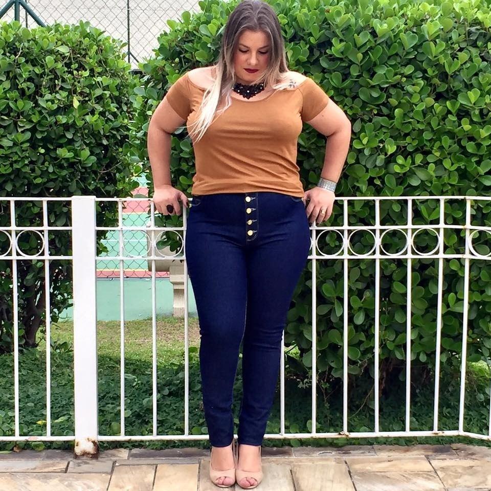 a46483e1b4 calça jeans feminina plus size azul claro cintura alta lycra. Carregando  zoom.