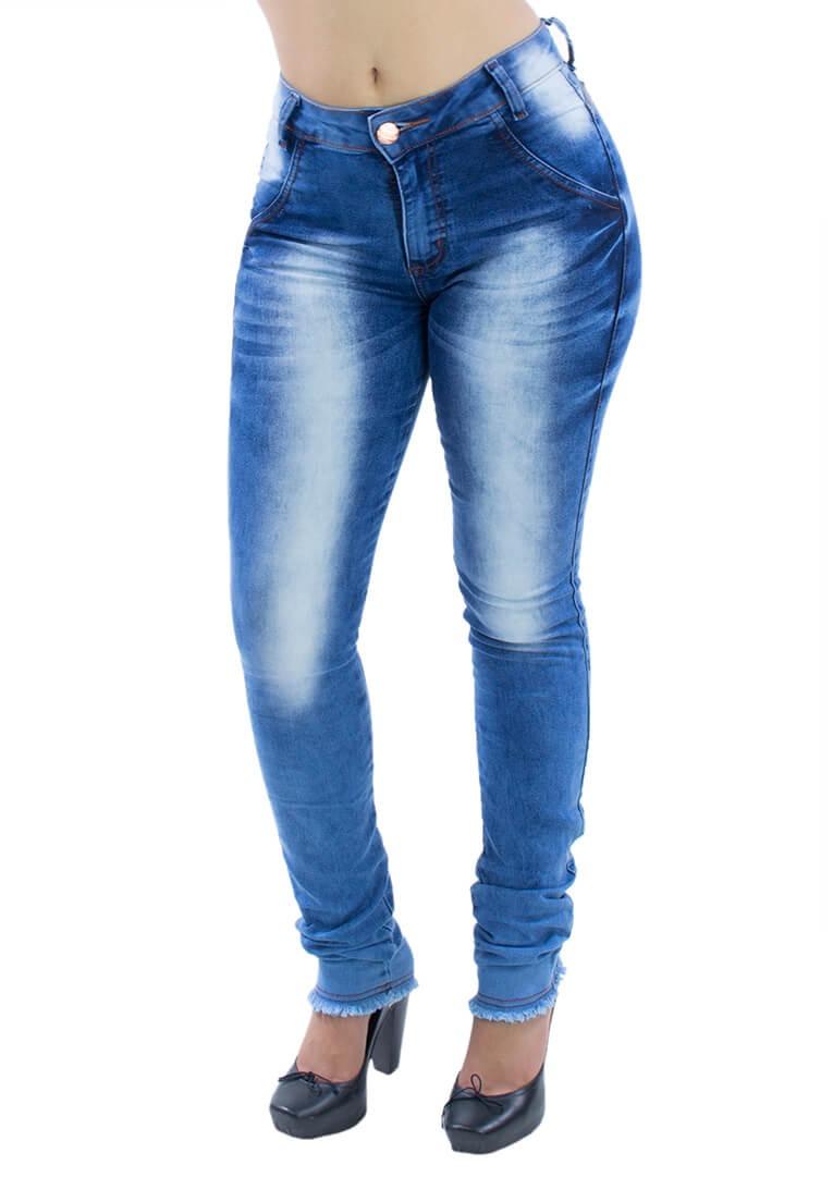 ac4b70b26a4 calça jeans feminina skinny - barra desfiada. Carregando zoom.