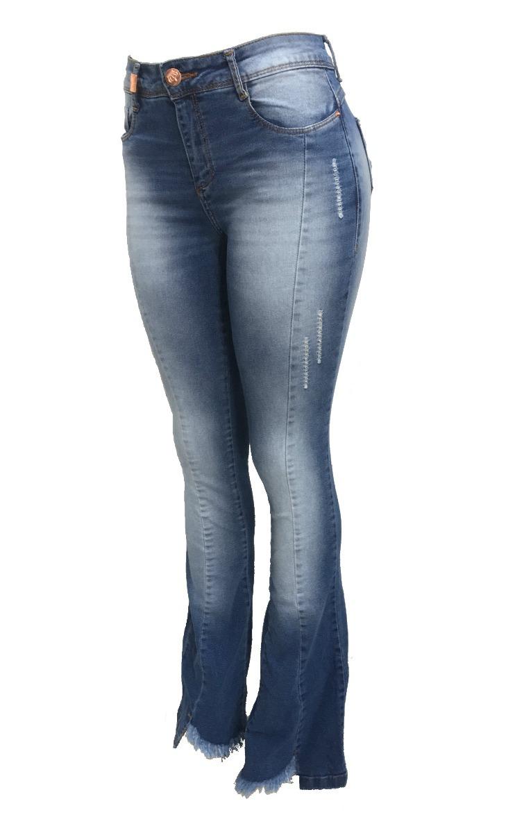 a634289cc9f calça jeans flare clara barra desfiada. Carregando zoom.