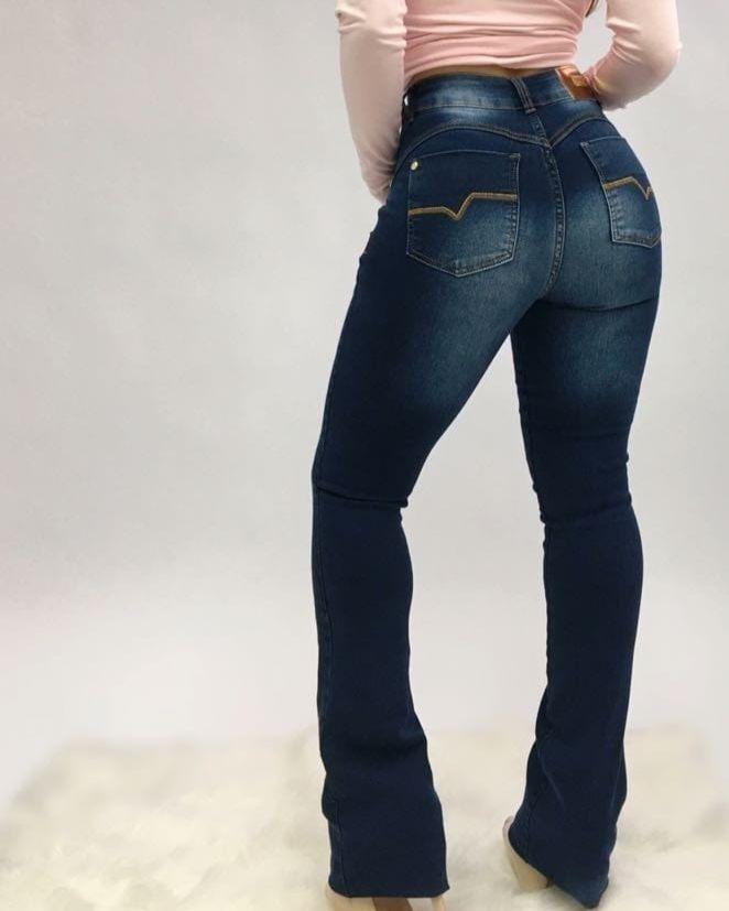 c56af4e6e calça jeans flare cós alto com cinta modeladora spaço vagun. Carregando  zoom.