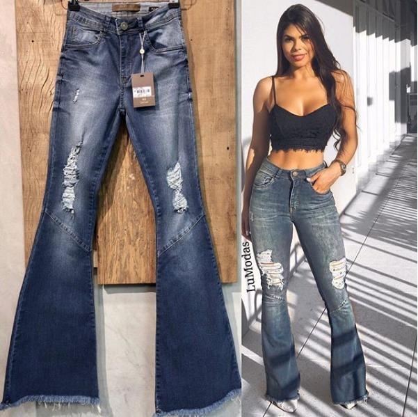 0d5075c90 Calça Jeans Modelo Super Flare Tendência 2018 - R$ 189,00 em Mercado ...