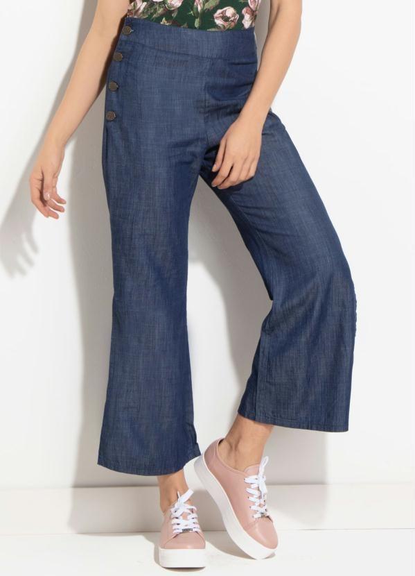 10f1c8eea calça jeans pantacourt com fenda lateral. Carregando zoom.