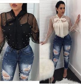 0298f2fc8 Calça Jeans Rasgadinha Cintura Alta Detalhe Pérola Plus Size