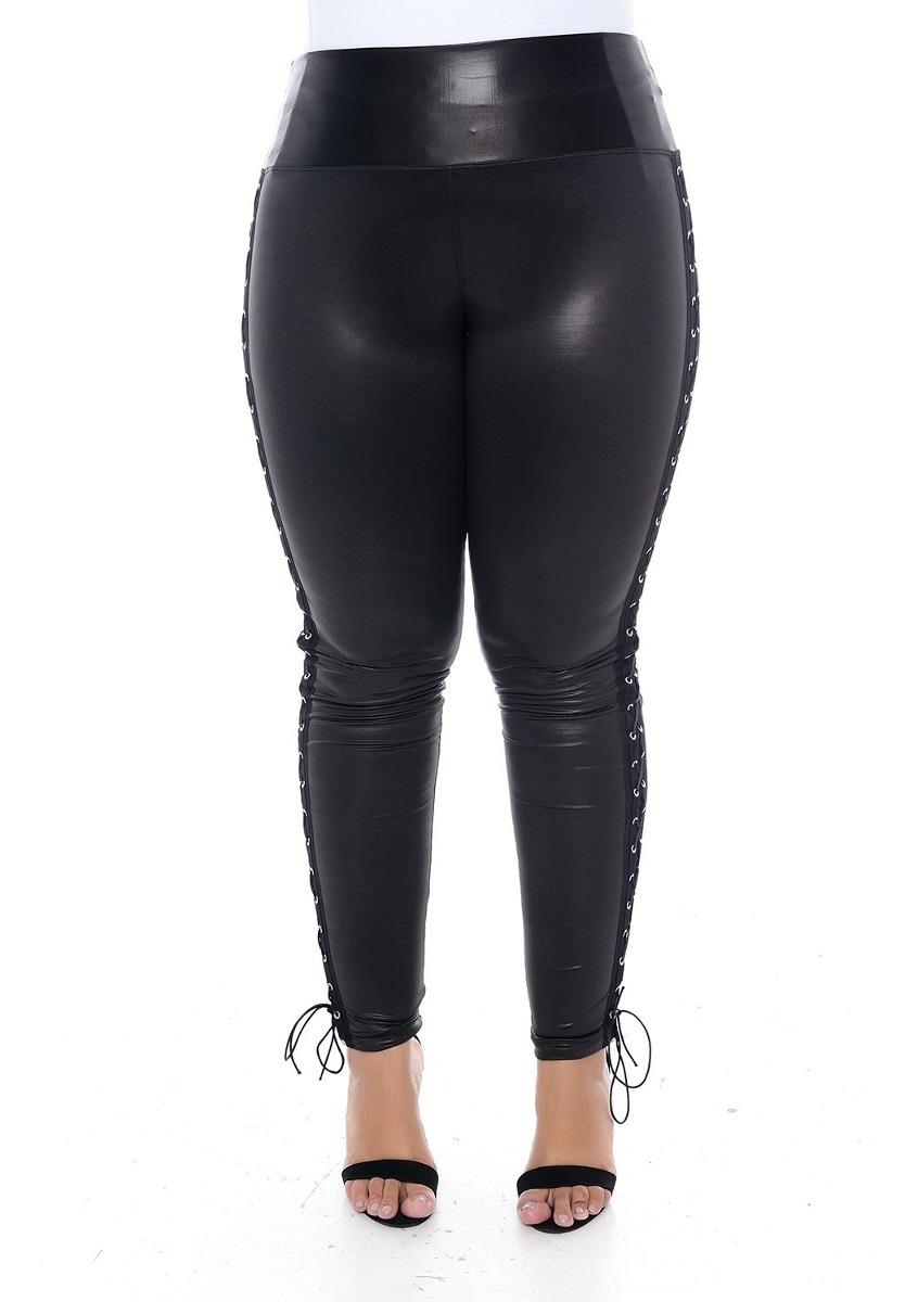 6818be2c5760 calça legging plus size modeladora preta em cirrê com ilhós. Carregando  zoom.