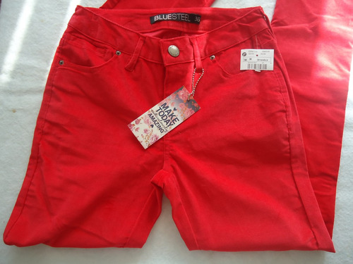 calça skinny em veludo vermelho