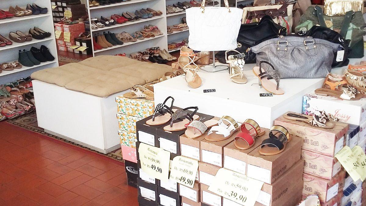 16b0aefc3 Calçados Femininos - Ponta De Estoque - Outlet - 40 Pares - R$ 680 ...