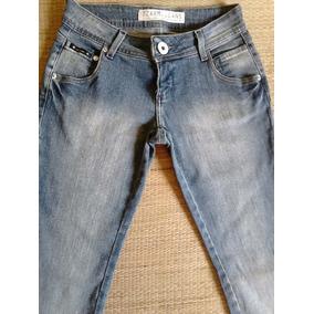 f8eb9a210a Promoção Calça Jeans Dzarm Tam 34 Calcas - Calças Feminino no ...