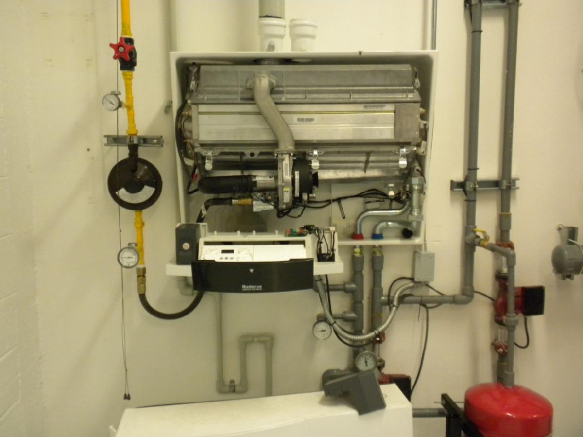 Caldera de condensaci n mural de m xima eficiencia u for Caldera mural mixta bosch