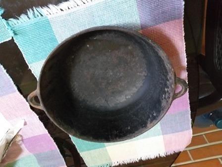 caldero 30 cms. hierro