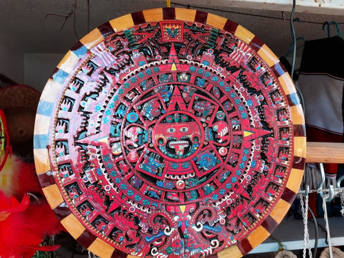 calendario azteca, madera, tallado a mano
