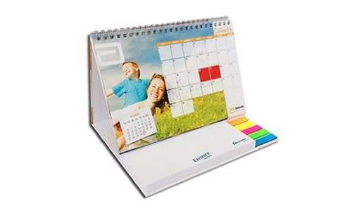calendario escritorio con logo y post it personalizado