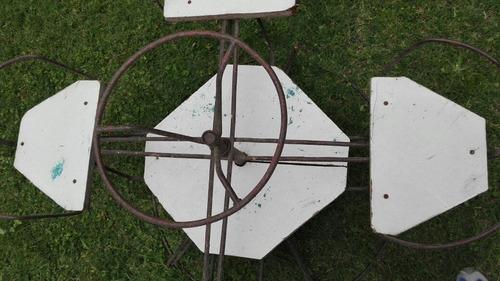 calesita de hierro