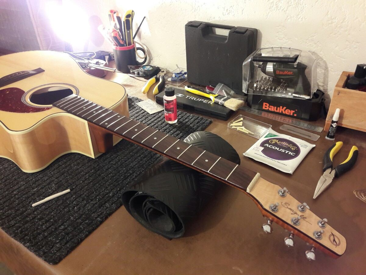 Calibraci n guitarra ac stica luthier 700 00 en for Luthier guitarra electrica