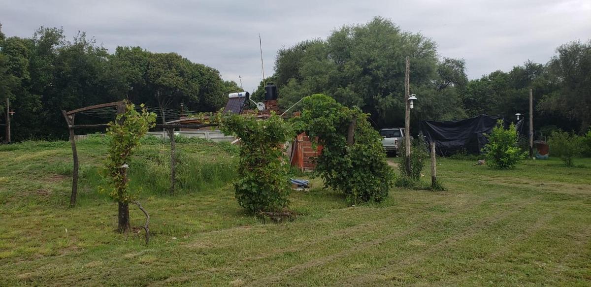 calida chacra con casa y hectarea tipo parque con frutales!