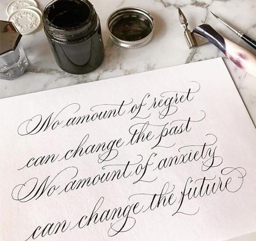 caligrafía artística para convites de casamento