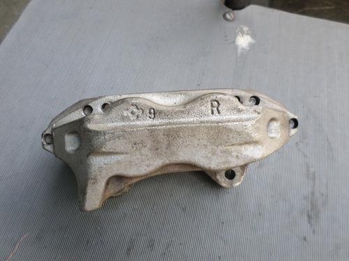 caliper con piston  derecho meru 2006