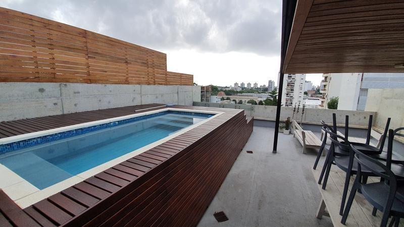 callao y pellegrini - 50m2 - loft amoblado por diseñador. pileta y parrillero