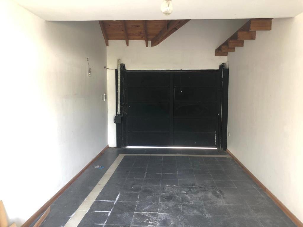calle 26 e/529 y 530 tolosa. casa en venta 3 dormitorios.
