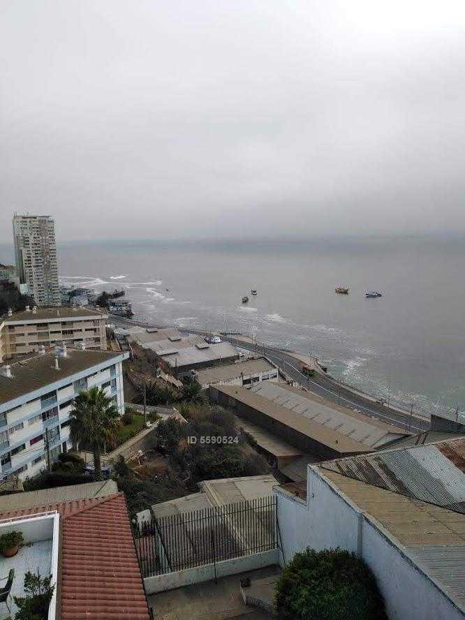 calle vista al mar , fuerte esmeralda