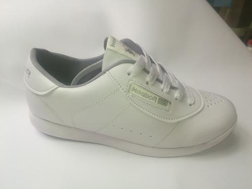 calzado blanco colegial