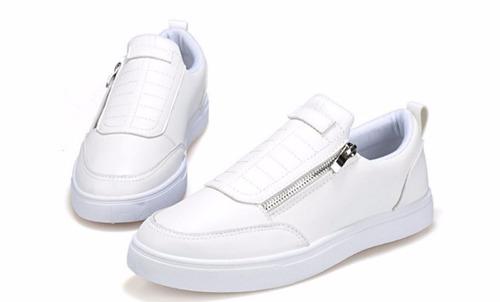 calzado con cierre, estilo mocasines
