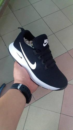 calzado deportivo colombiano.