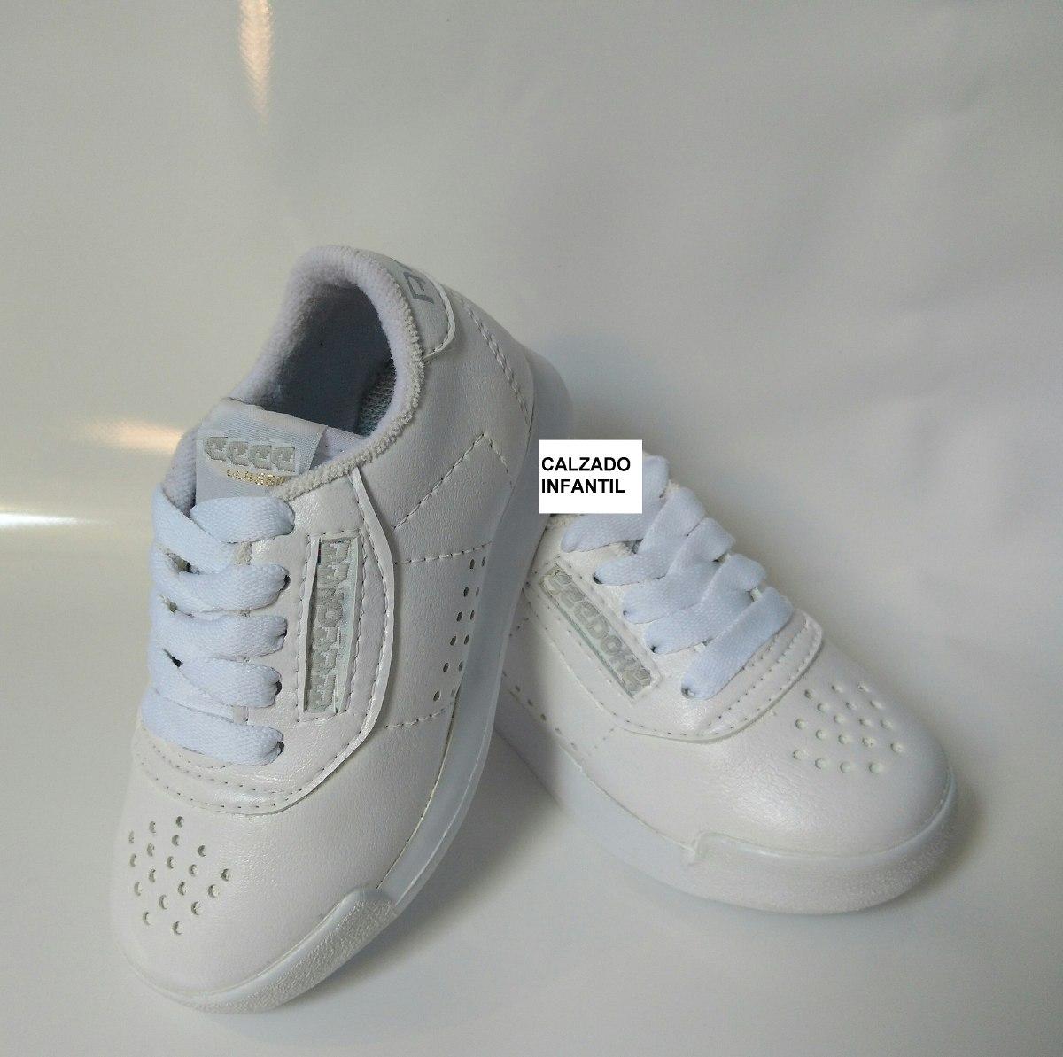 23607c670c3 calzado deportivo escolar colegio niño blanco en sintético. Cargando zoom.