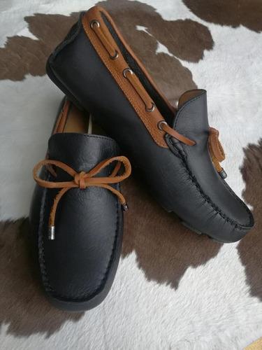 calzado driver en cuero graso suela en caucho