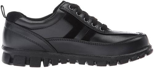 calzado escolar de color negro o blanco