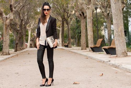 calzas latex ecocuero talla estandar mayor oferta solo negro