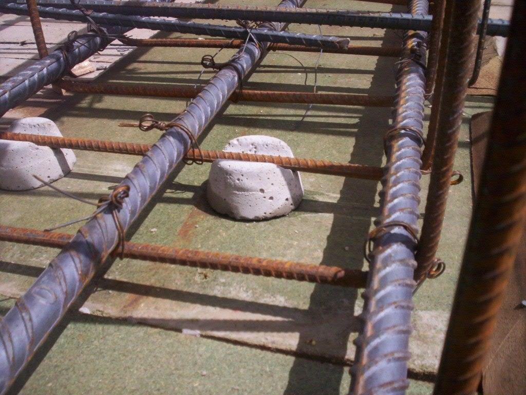 Calzas y separadores para varillas en cimentaciones 1 for Losas de pared