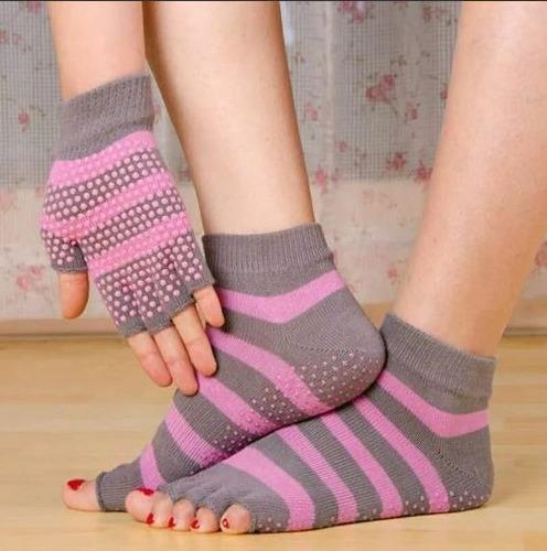 calzetas y guantes para yoga a1