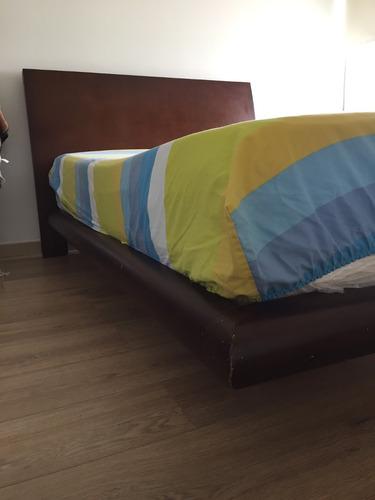 cama 1,20 x 90 con dos mesas de noche y colchón