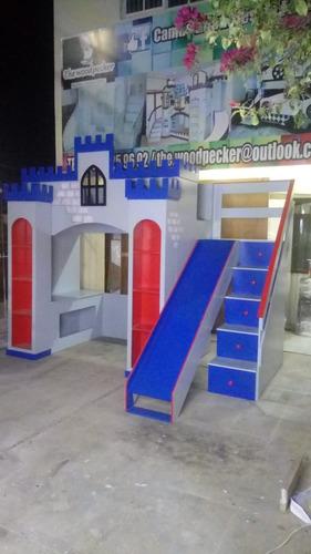 cama alta estilo castillo