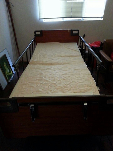 cama clínica + colchón articulado usados en lima y callao