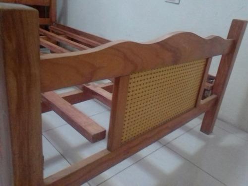 cama de madera tamaño individual