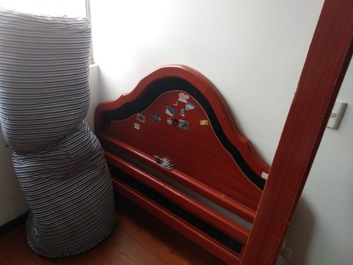 cama doble con colchón (segunda mano)