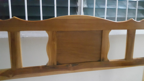 cama doble de madera teca muy bonita como nueva