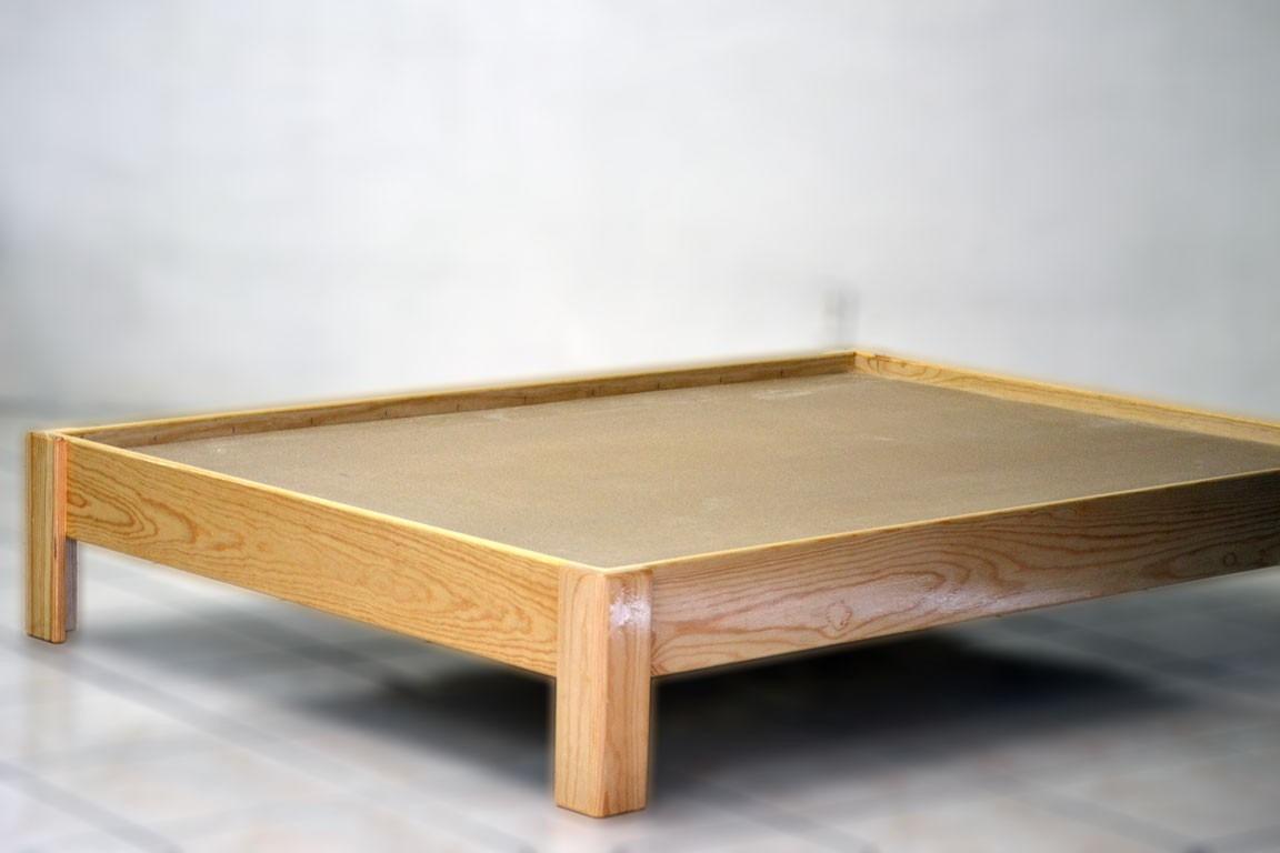 Cama doble individual con cabecera duplex pino entintada for Base cama individual con cajones