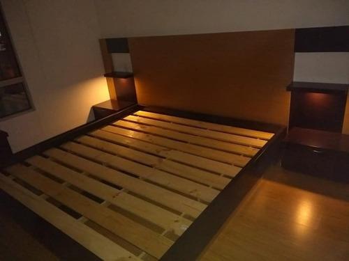 cama doble madera lacada con mesas de noche ref: capuchino