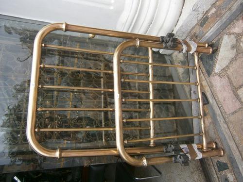 cama en bronce x 90cm x 5 tubos delgados , redondeada
