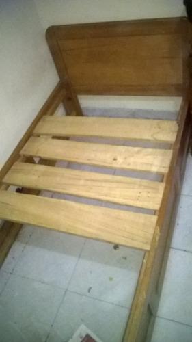 cama en madera, 100% en pino.