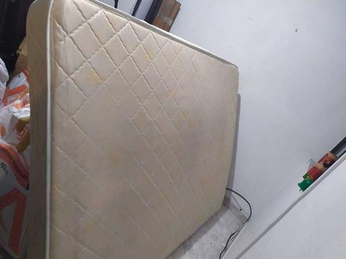 cama en roble con colchón semiortopedico