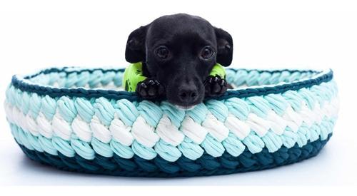 cama en trapillo tejida a mano para gatos o perros