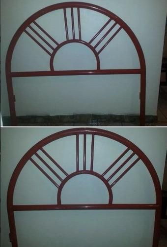 cama individual de barrotes rojos
