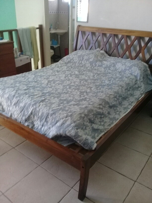 dd863be45 cama king em madeira. Carregando zoom.