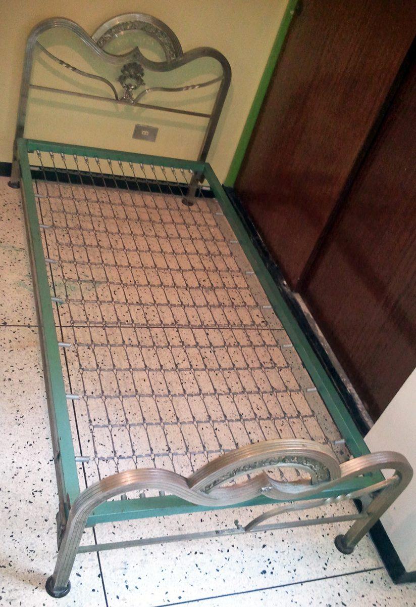 Cama metalica individual bs en mercado libre for Cama individual metalica