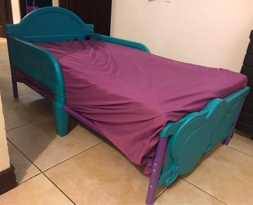 cama pequeña para niño niña turquesa con lila